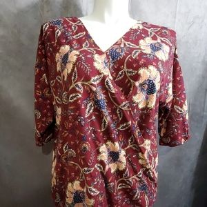 New with tag floral plus size blouse